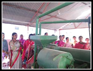 Femmes en visite et en formation dans un moulin