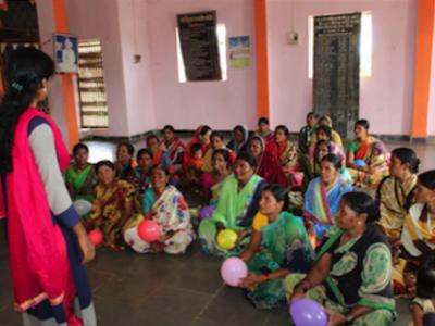 femmes indiennes en formation